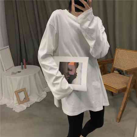 2018 autumn and winter new Korean white cotton long-sleeved T-shirt female long section loose wild bottoming shirt shirt tide