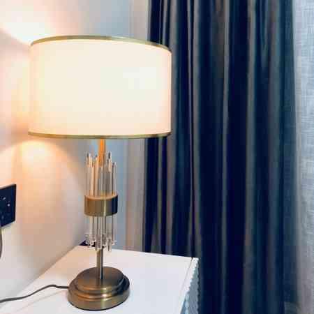 Post-modern light luxury desk lamp continental crystal living room model room modern contracted bedroom study creative desk lamp