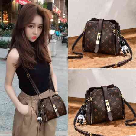 New small bag female 2018 new autumn and winter models tide Korean version of the wild fashion bucket bag ladies shoulder Messenger bag