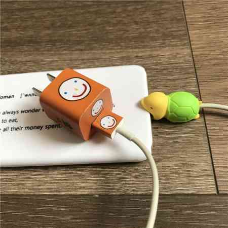 Cute creative Apple iPhone data cable charger decoration set small animal bite a super cute